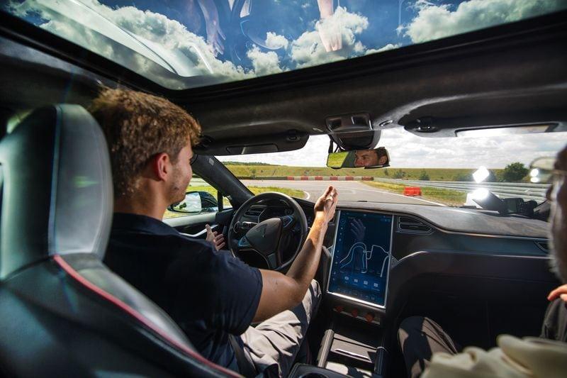 ในอดีต ใครจะคิดว่าเราจะสามารถสร้างรถขับเคลื่อนอัตโนมัติได้