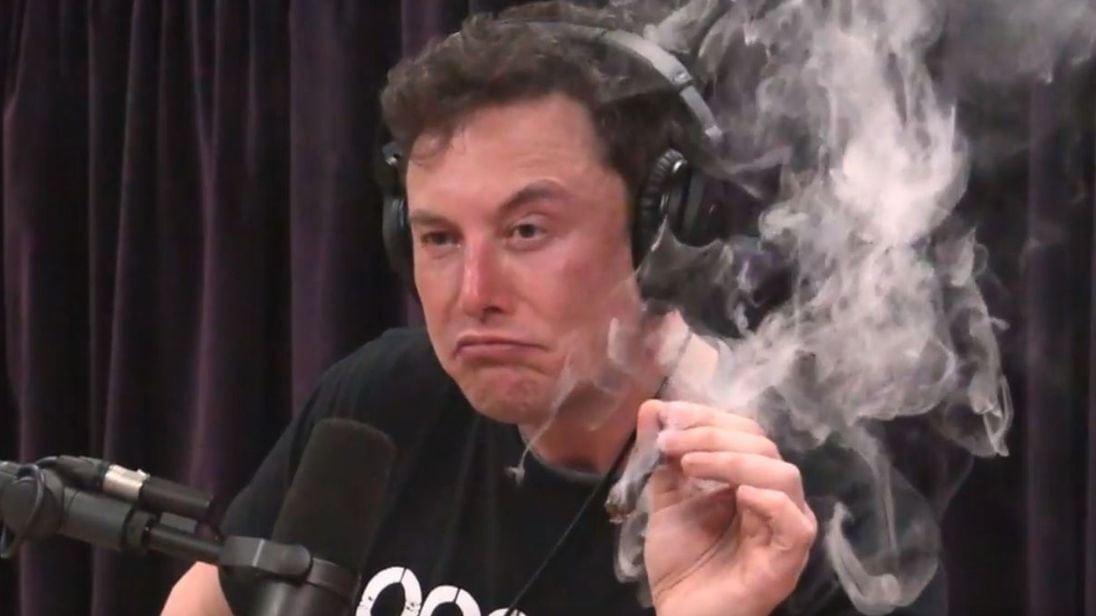 Elon Musk สูบกัญชาในระหว่างการสัมภาษณ์ในรายการก็เป็นอีกสิ่งนึง ที่ไม่ควรเกิดขึ้นเลย