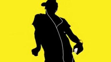 เอกลักษ์เด่น หูฟังสีขาวที่ เดินไปไหนก็เจอแต่คนฟัง Ipod