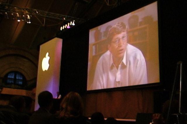 เกตส์ โผล่หน้าผ่าน วีดีโอคอลเข้ามาในงาน macworld เป็นสิ่ง เซอร์ไพรซ์สุด ๆ