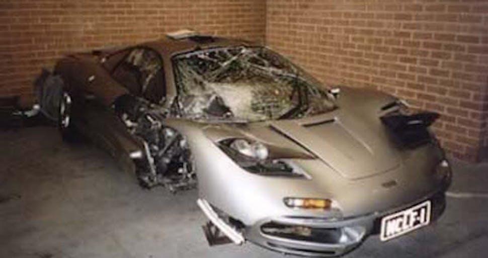 สภาพรถที่ยับเยินหลังอุบัติเหตุ