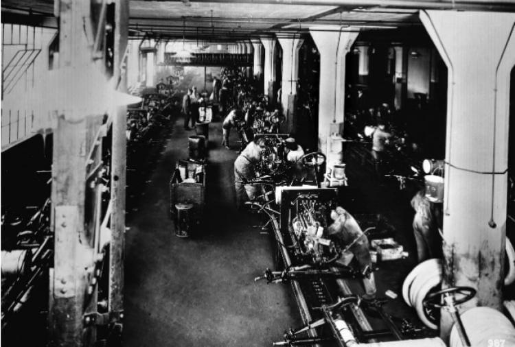 แนวคิดสายพานการผลิตของ Henry Ford เปลี่ยนอุตสาหกรรมของสหรัฐไปตลอดกาล