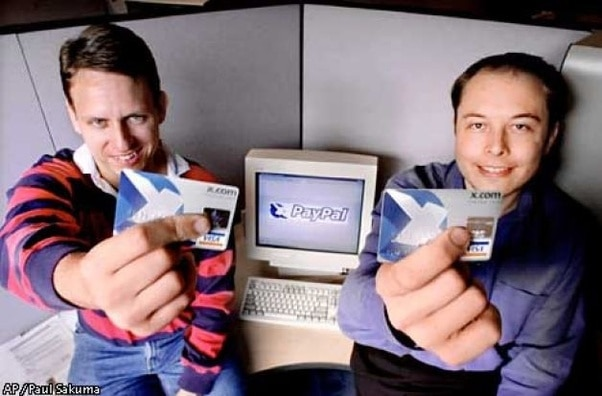 รวมกันเป็นหนึ่งเหลือเพียง x.com ในช่วงแรกของการควบรวม