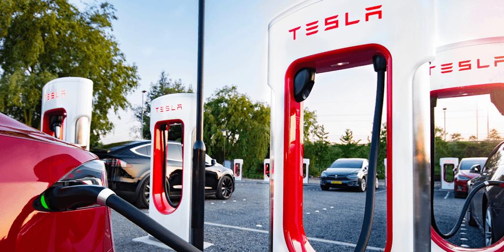 ซุเปอร์ชาร์จที่มัสก์ หวังว่าจะกลายเป็นเครื่องข่ายชาร์จทั่วโลกให้กับ Tesla