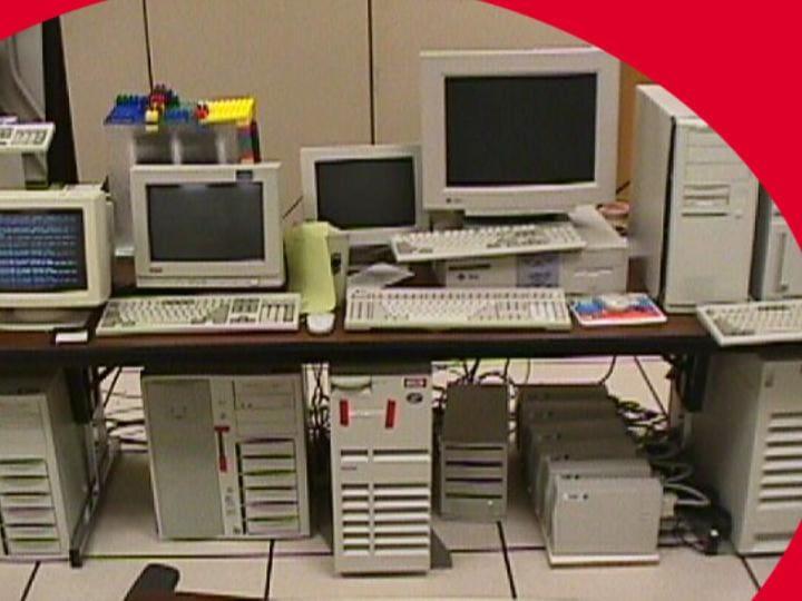 เซอร์เวอร์ google ในยุคแรก ๆ ประกอบขึ้นจาก PC