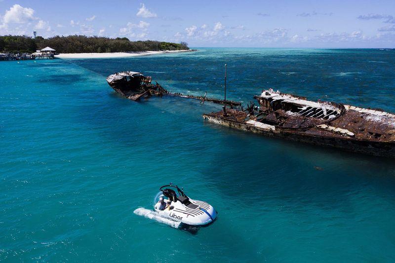 ScUber ขับผ่านซากเรืออับปางจากเกาะเฮรอน  รัฐควีนส์แลนด์