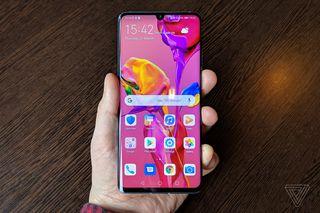 มาลองแกะชิ้นส่วนของ Huawei กันดูว่าถ้าไม่พึ่งบริษัทสหรัฐจะได้หรือไม่