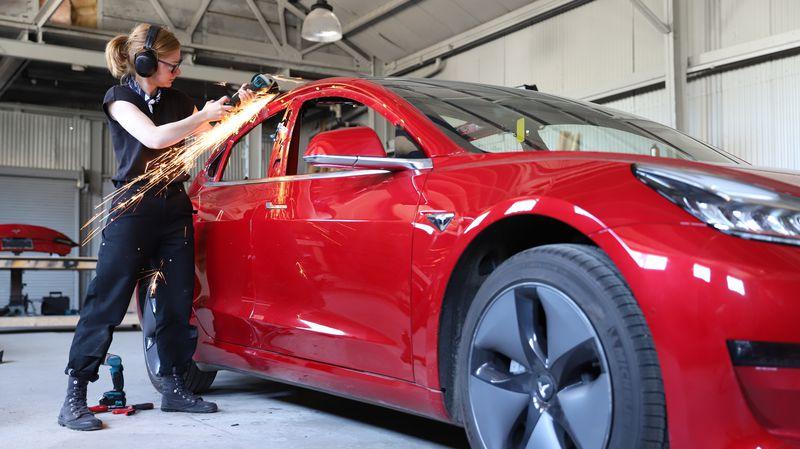 ใช้โครงสร้างหลักจาก Model 3 มาดัดแปลง