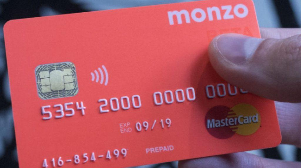 บัตร Monzo ที่โด่งดังมากในสหราชอาณาจักร