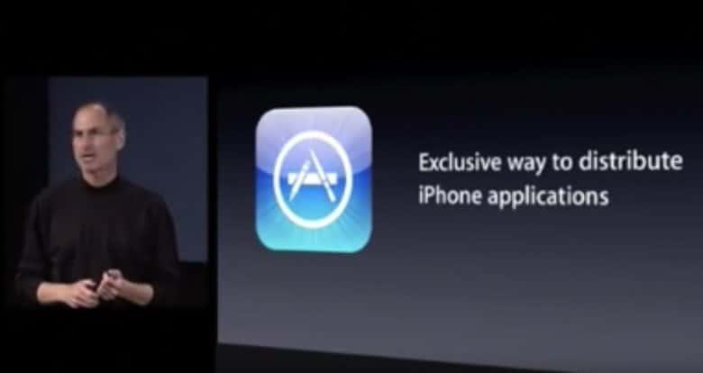 จ๊อบส์ตัดสินใจครั้งสำคัญให้นักพัฒนาภายนอกมาเข้าร่วมกับ iPhone