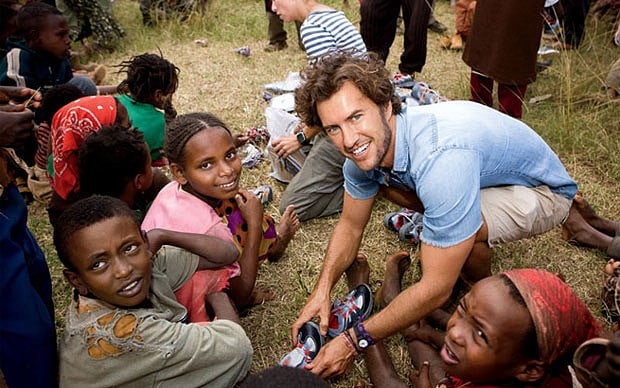 Blake Mycoskie ที่ทำแบรนด์รองเท้าเพื่อบริจาคให้เด็ก ๆ