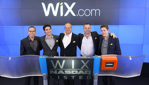 เหล่าผู้ก่อตั้งและผู้บริหาร ในวันที่พาบริษัทเข้า IPO ได้สำเร็จ