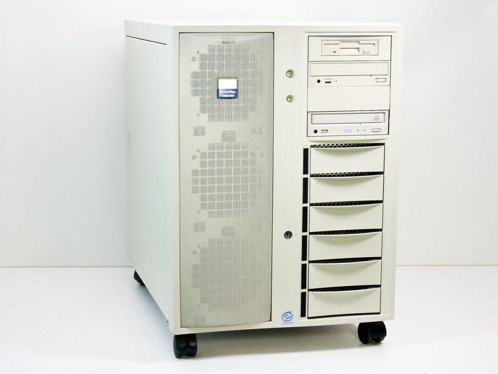 Dell PowerEdge ในยุคแรก ๆ ที่ออกมาตีตลาด