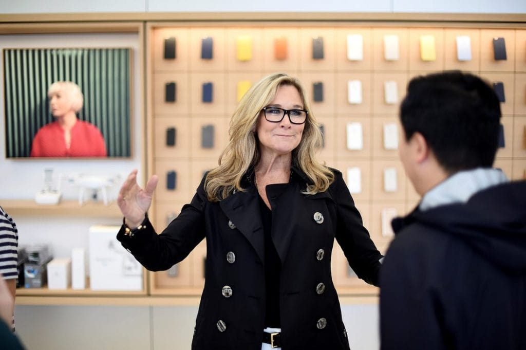 Angela Ahrendts ผู้มาปฏิวัติร้านค้าปลีกของ Apple