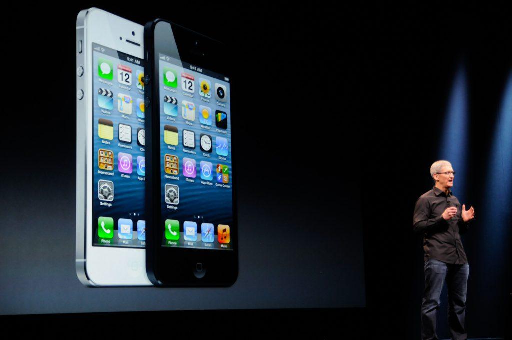iPhone5 กับจุดเปลี่ยนครั้งสำคัญของ Apple ในยุคของ Tim Cook