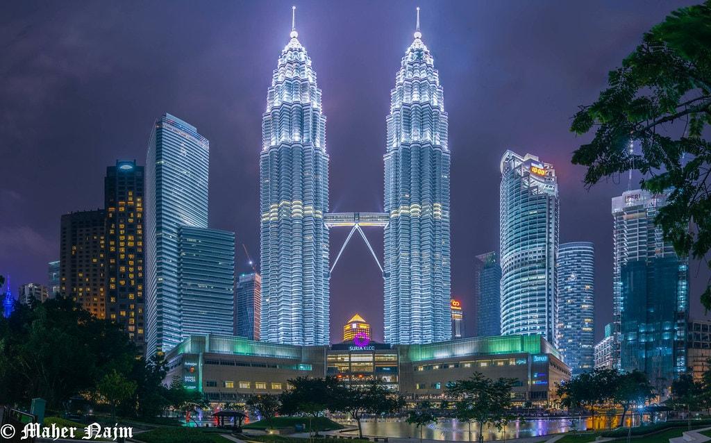 ตำรวจมาเลเซียบุก สำนักงานใหญ่ Ambank ที่ Petronas Tower