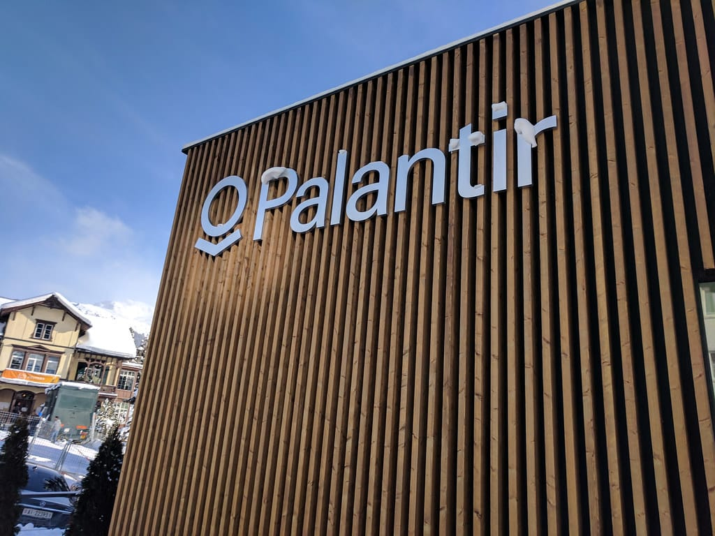 Palantir ที่เติบโตรวดเร็วจากการลงทุนจาก CIA