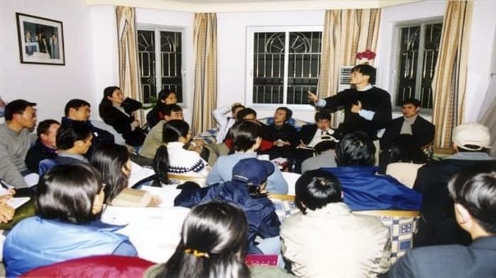 Jack Ma กับเพื่อนสนิท 24 คนของเขา