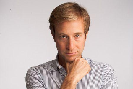 Michael Gross มือดีที่ Adam ได้มาช่วยในการระดมทุนครั้งใหญ่ (CR:crainsnewyork.com)