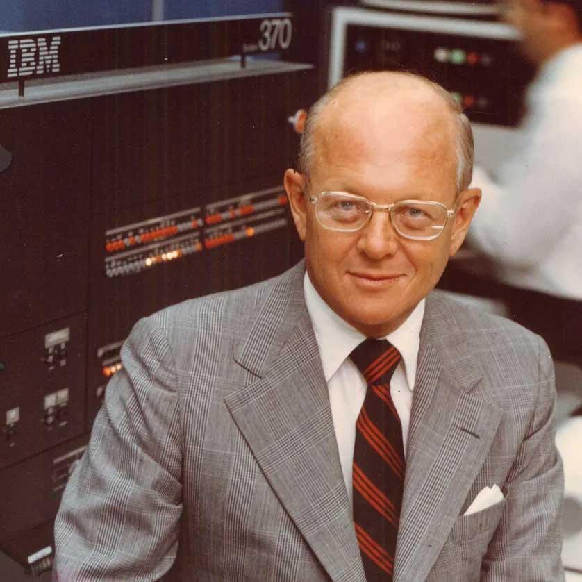 Frank T.Cary CEO IBM สั่งลุยธุรกิจ PC