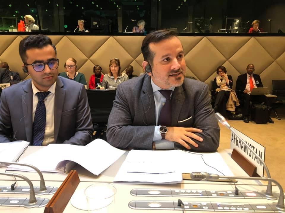 Ajmal Ahmady รักษาการผู้ว่าการธนาคารกลางของอัฟกานิสถาน ได้เผ่นหนีออกจากประเทศ (CR:wikipedia)